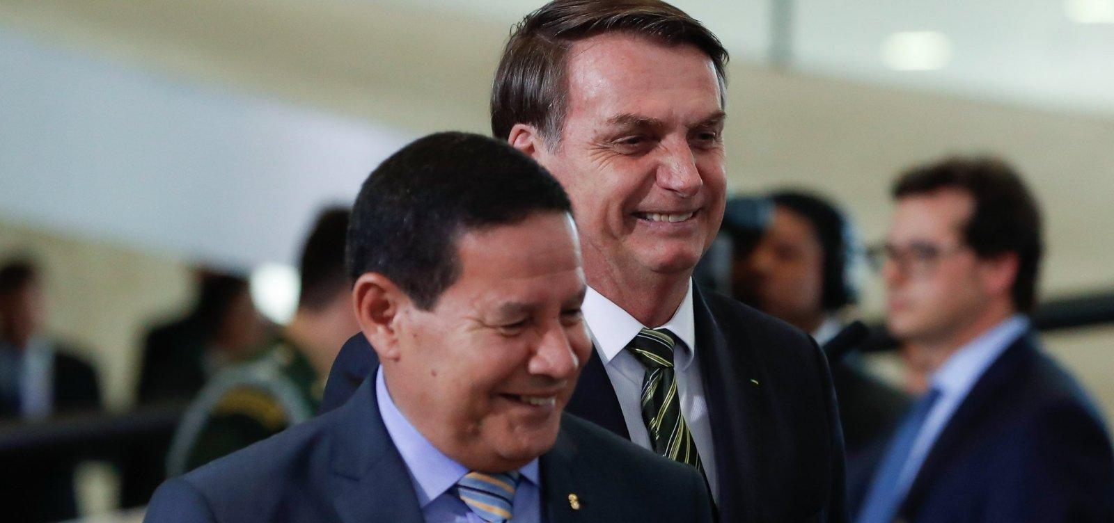 Em cartilha para celebrar 300 dias de governo, Bolsonaro diz que corrupção 'sumiu'