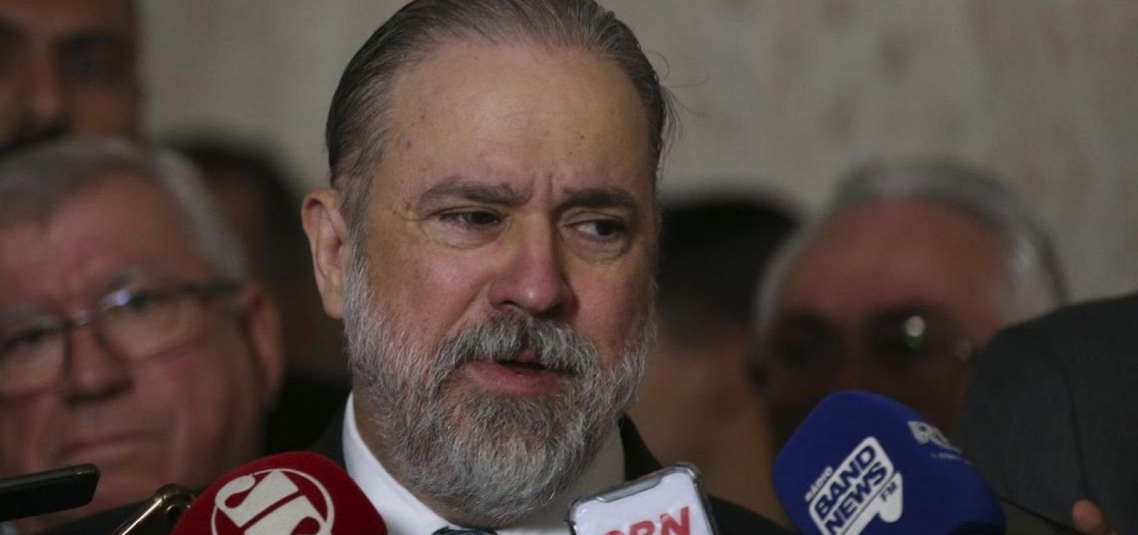 PGR diz que Bolsonaro pode bloquear internautas no Twitter