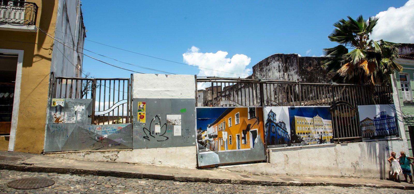 Abandonada, Praça do Reggae comemora 20 anos como depósito de lixo