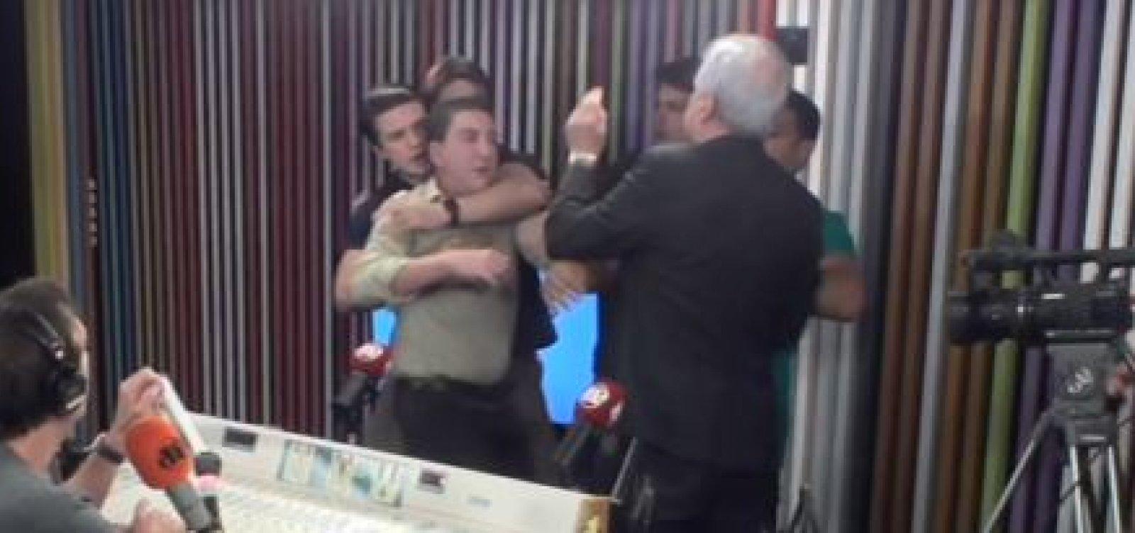 Glenn Greenwald e Augusto Nunes brigam durante programa ao vivo; veja