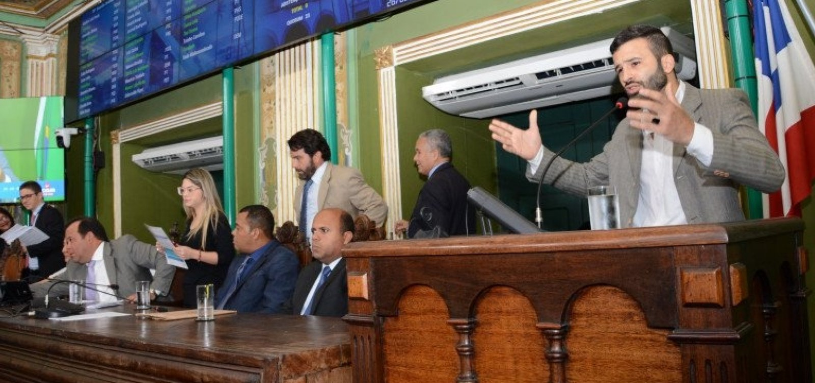 Representante dos motoristas de aplicativos pode disputar vaga na Câmara de Salvador