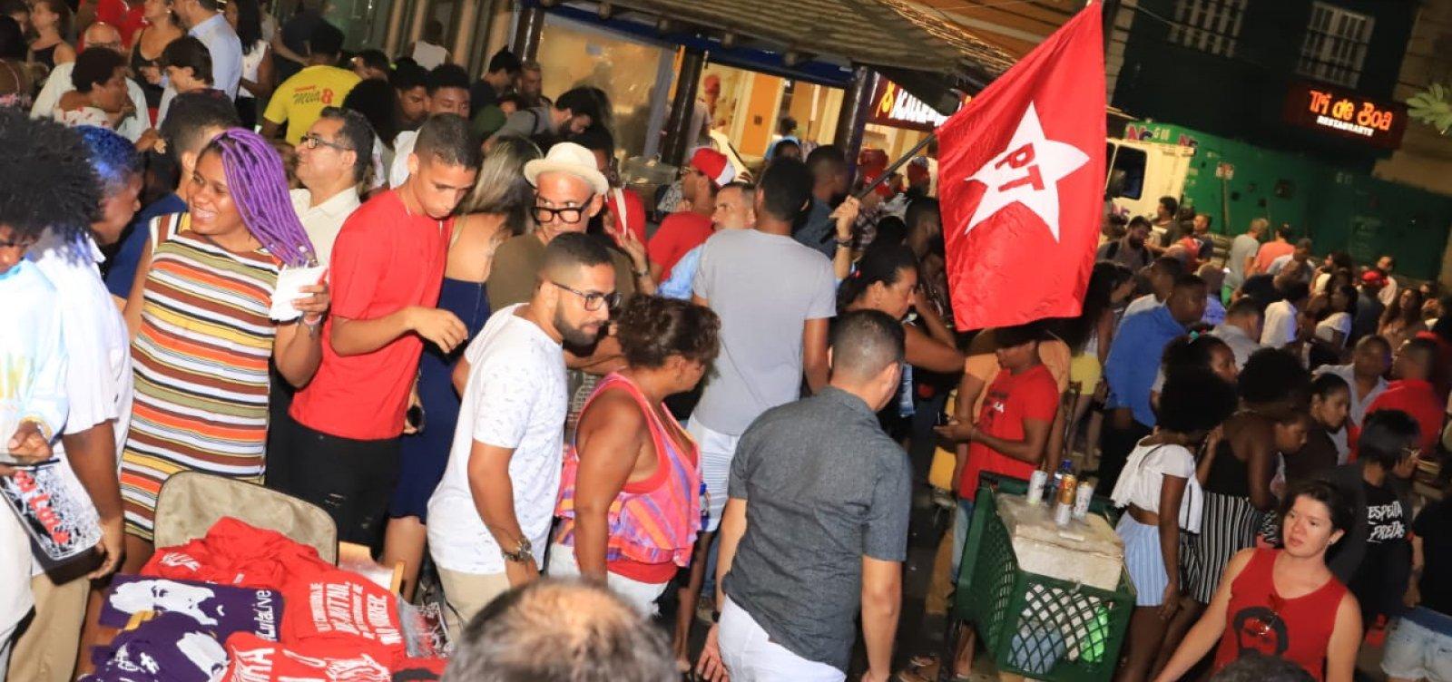 Em homenagem a Lula, PT baiano organiza comemoração no Rio Vermelho