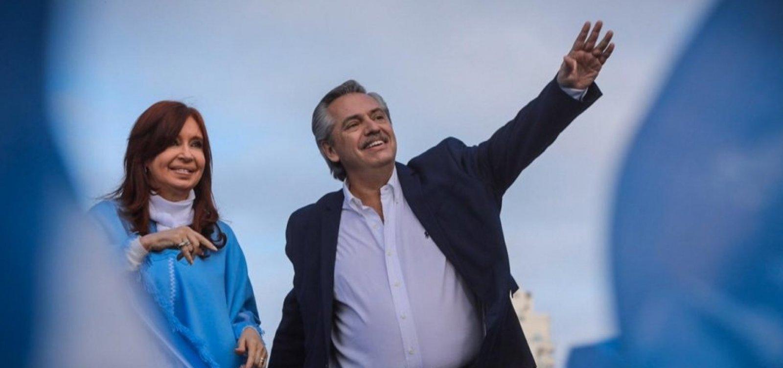 Pelo Twitter, Cristina e Alberto Fernández comemoram soltura de Lula