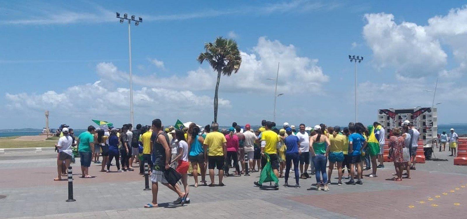 Grupo protesta contra fim da prisão após segunda instância na Barra