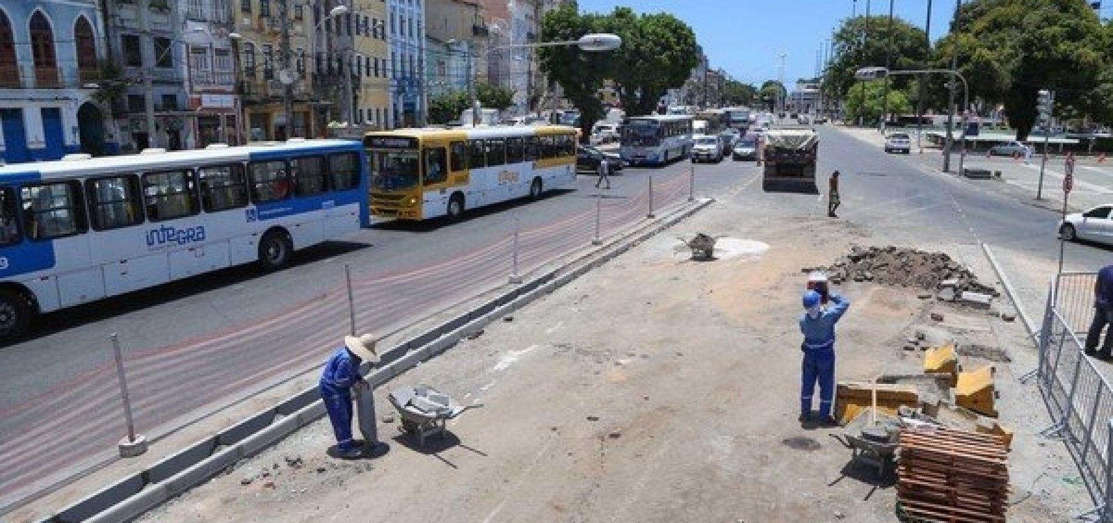 Tráfego de veículos será alterado no Comércio devido a obras na Praça Cairu