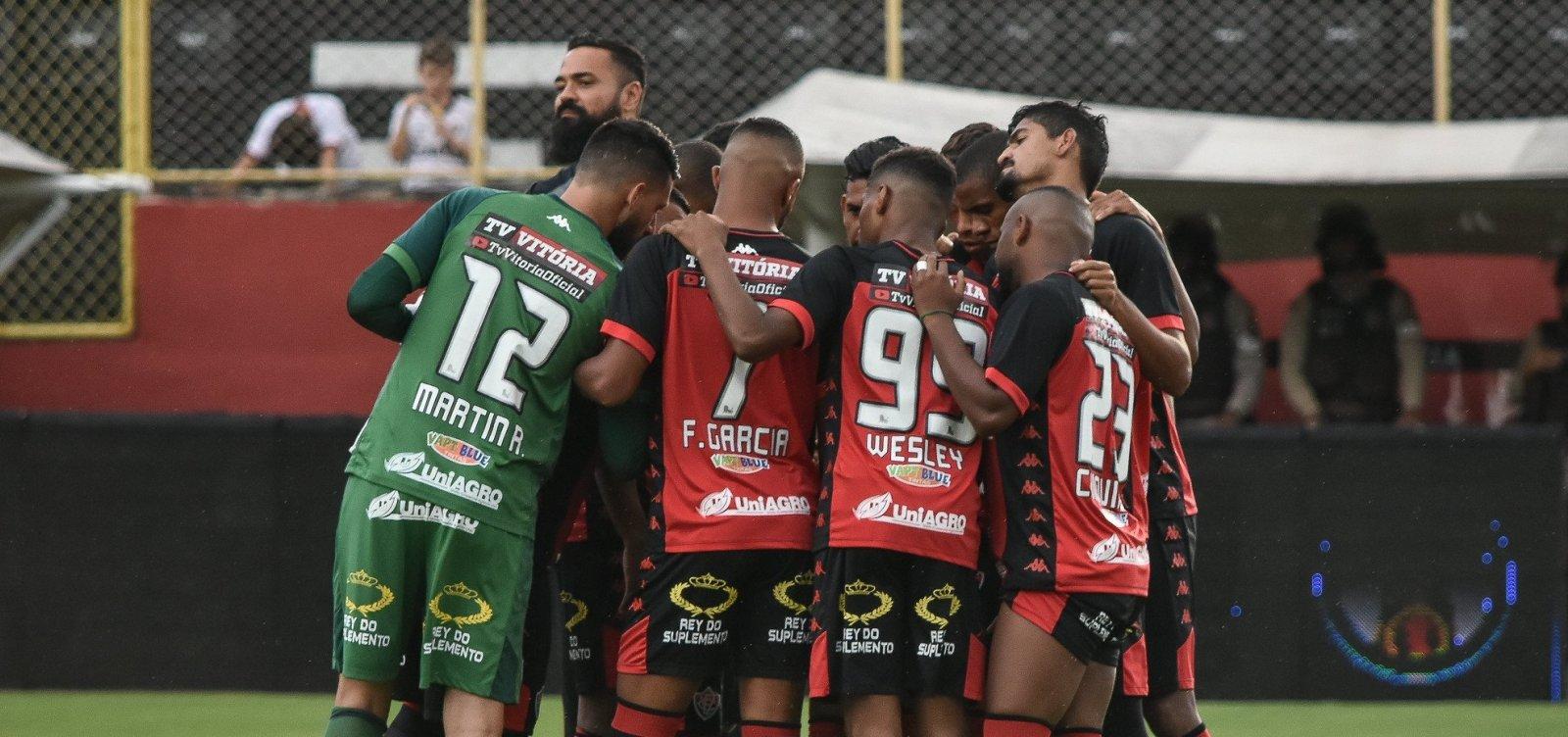Com quatro retornos, Geninho relaciona time do Vitória que vai encarar o CRB