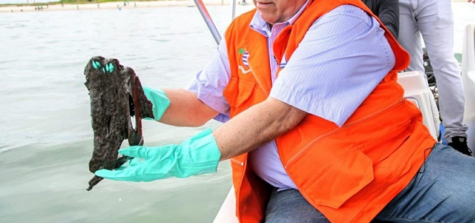 Óleo atinge local de desova de tartarugas no Espírito Santo