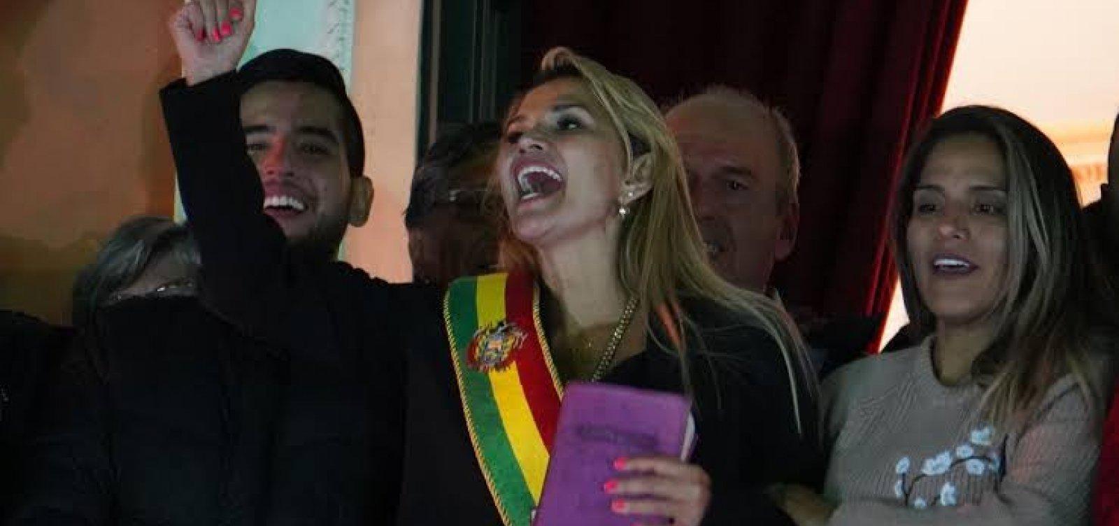 Senadora da oposição declara-se presidente da Bolívia