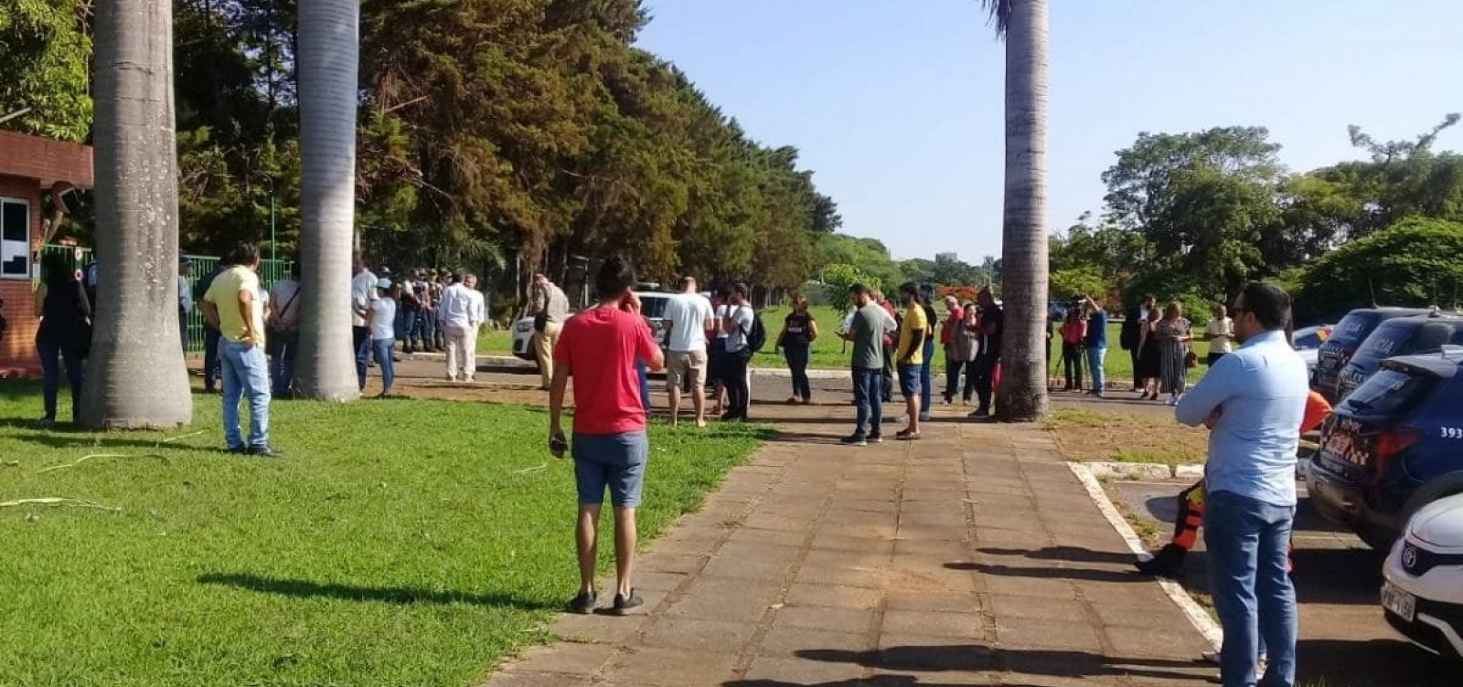 Embaixada da Venezuela em Brasília é invadida por simpatizantes de Guaidó