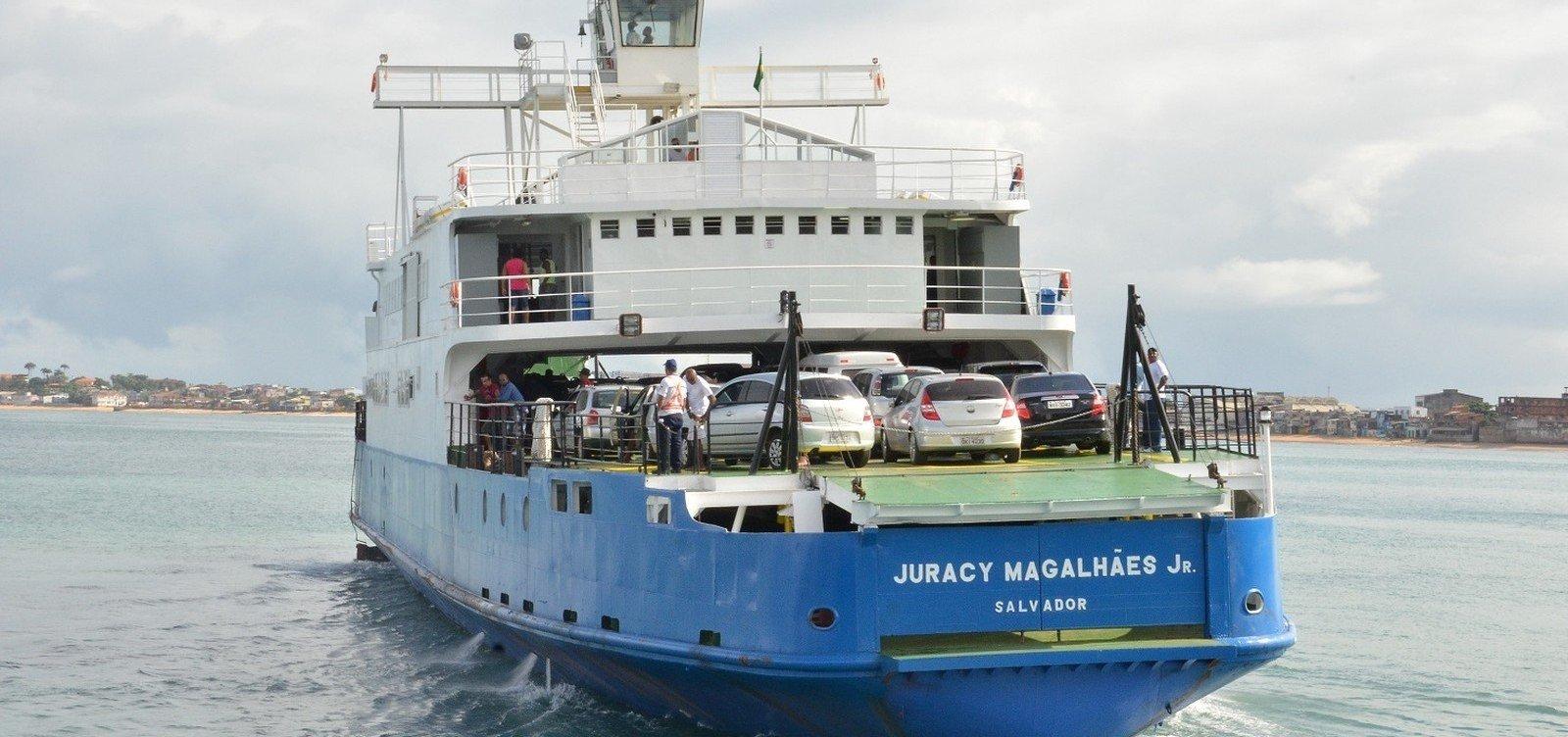 Na véspera de feriado, ferry-boat tem espera de até duas horas