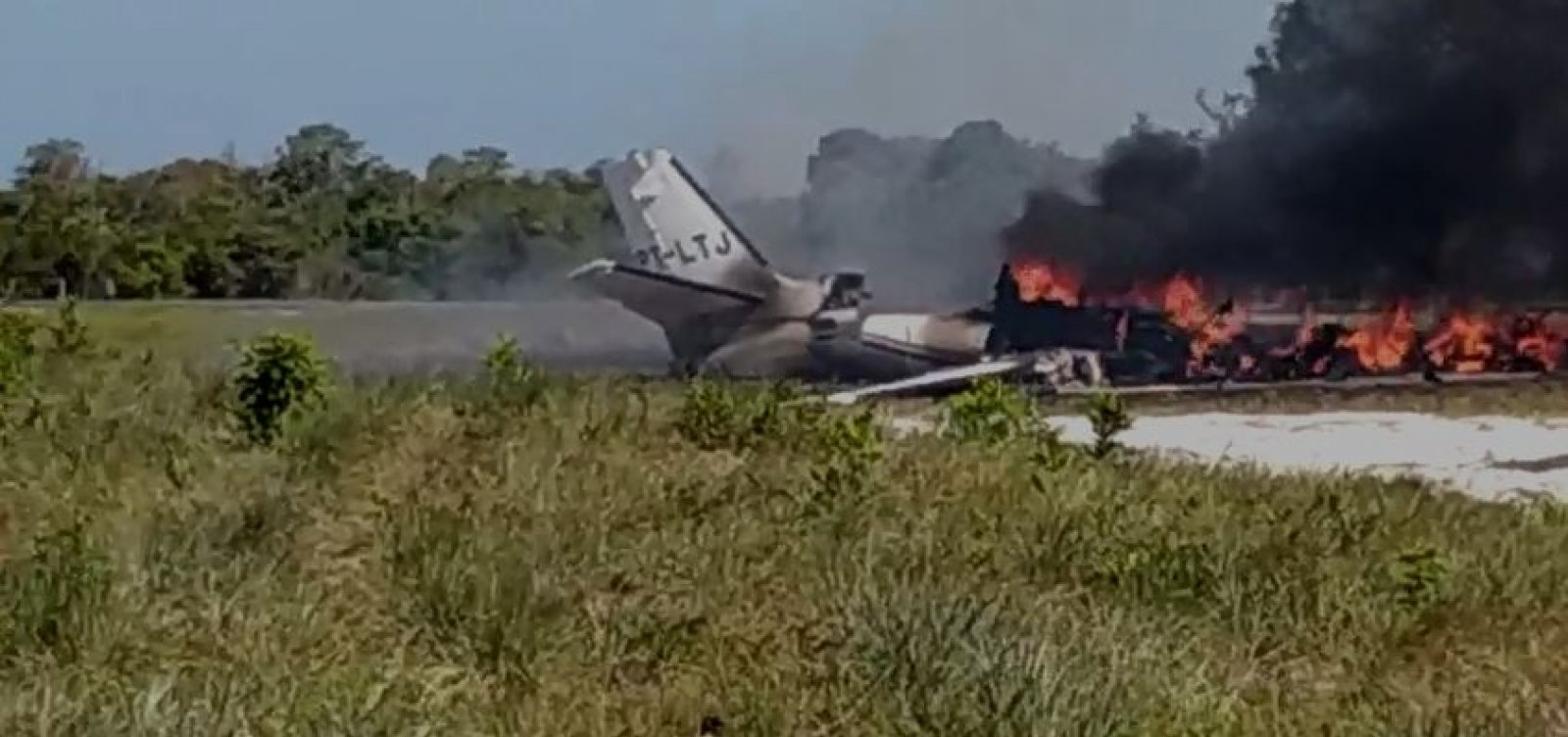 Acidente em Maraú: tripulantes de aeronave sobreviveram, diz prefeitura; veja novo vídeo
