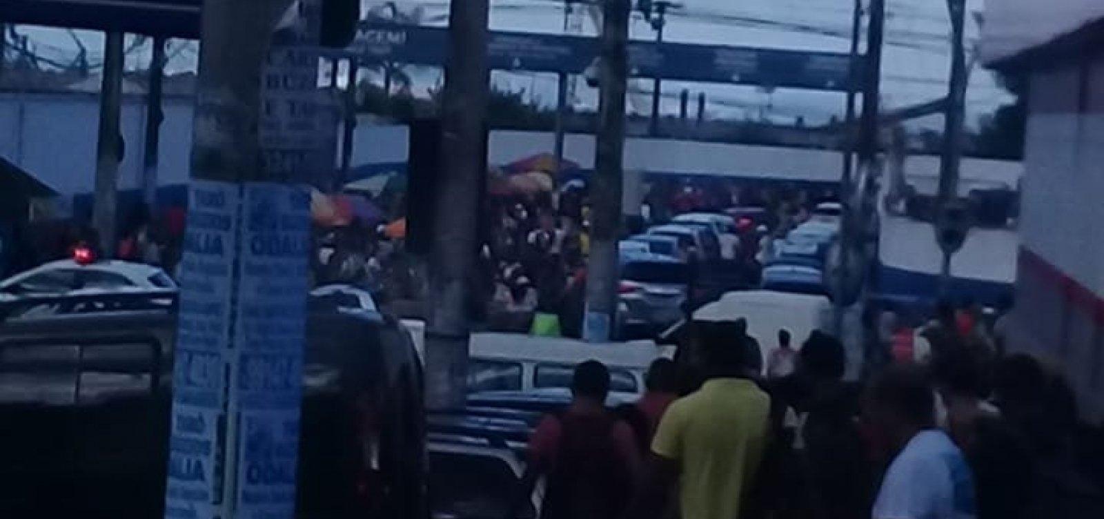 Passageiro relata espera de oito horas na fila do ferry em Salvador