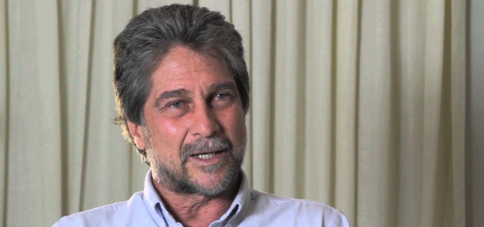 'Príncipe' Joãozinho diz sentir 'pena' do primo Luiz Philippe por se aliar a bolsonaristas