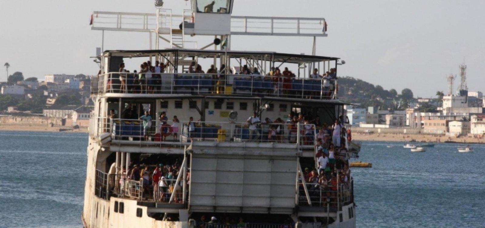 Ferry: veículos enfrentam filas de três horas para embarcar em Bom Despacho
