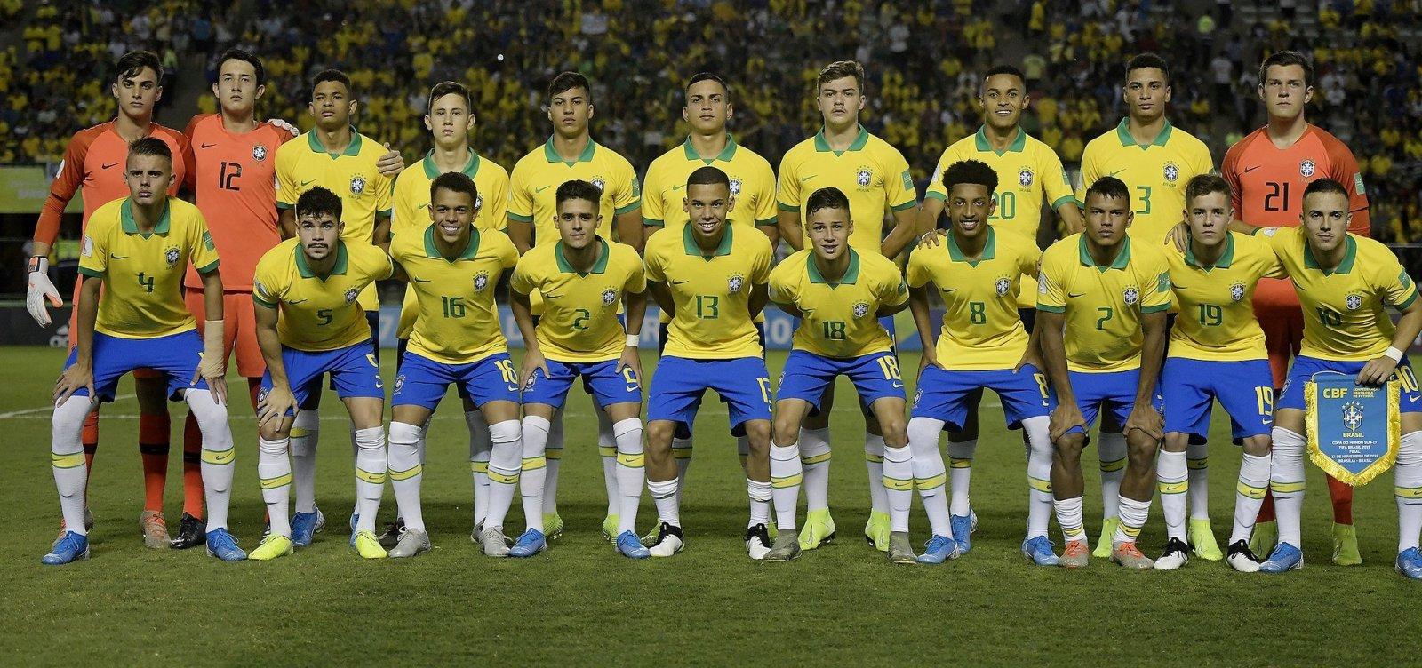 De virada, Brasil vence o México e é campeão mundial Sub-17