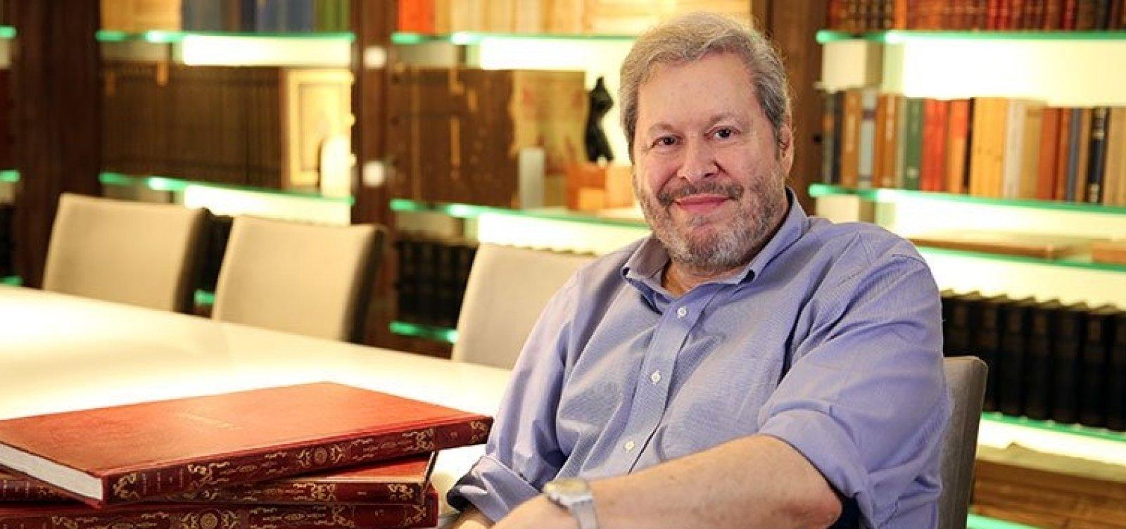 Pedro Corrêa do Lago narra coleção histórica em livro: 'É segurar a história nas próprias mãos'