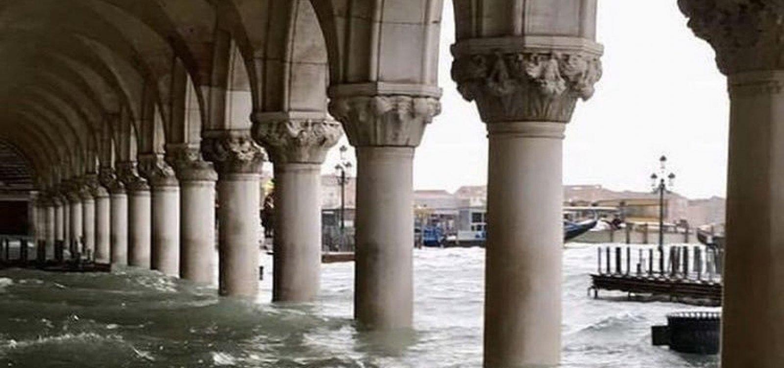 Veneza se recupera após pior inundação da região em 50 anos
