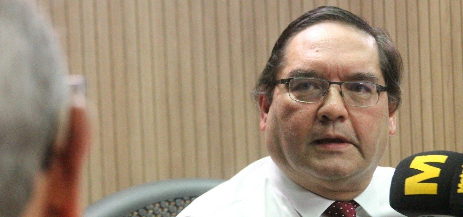 'É um risco muito grande', diz professor Raimundo Paraná sobre 'fake news' de vacinação