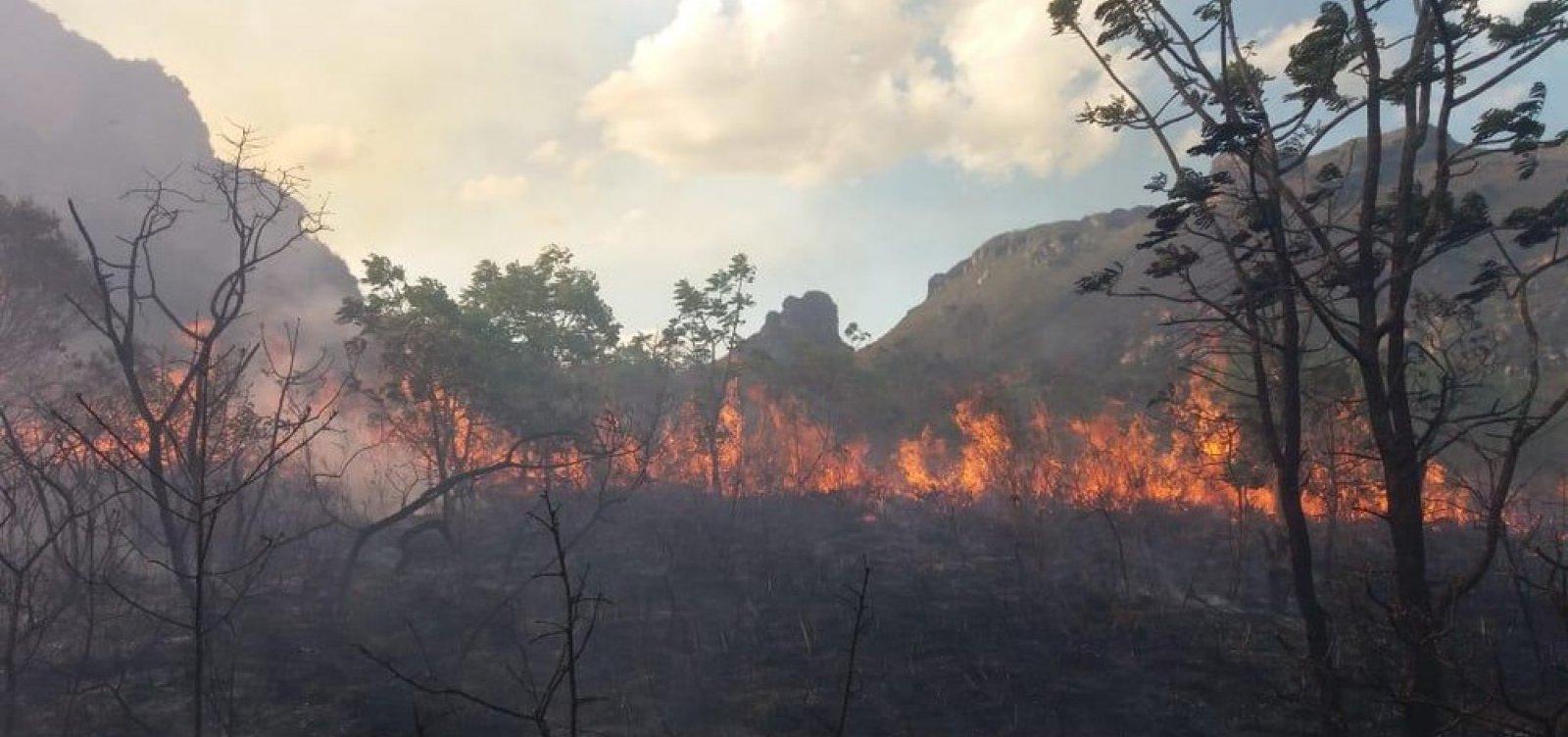 Incêndio atinge Vale dos Três Morros, na Chapada Diamantina
