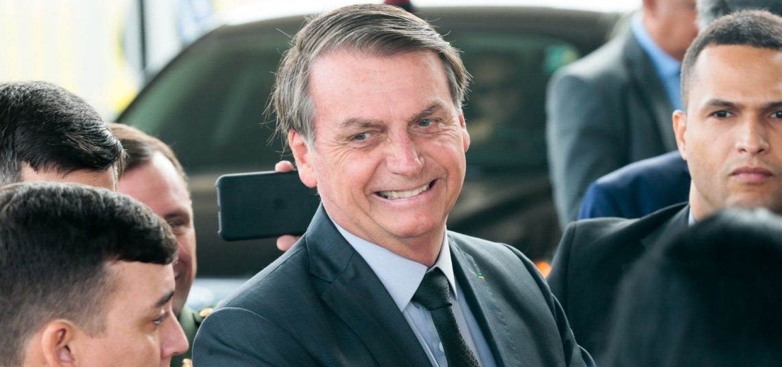 Bolsonaro pede que Witzel o procure: 'tem que ter humildade'