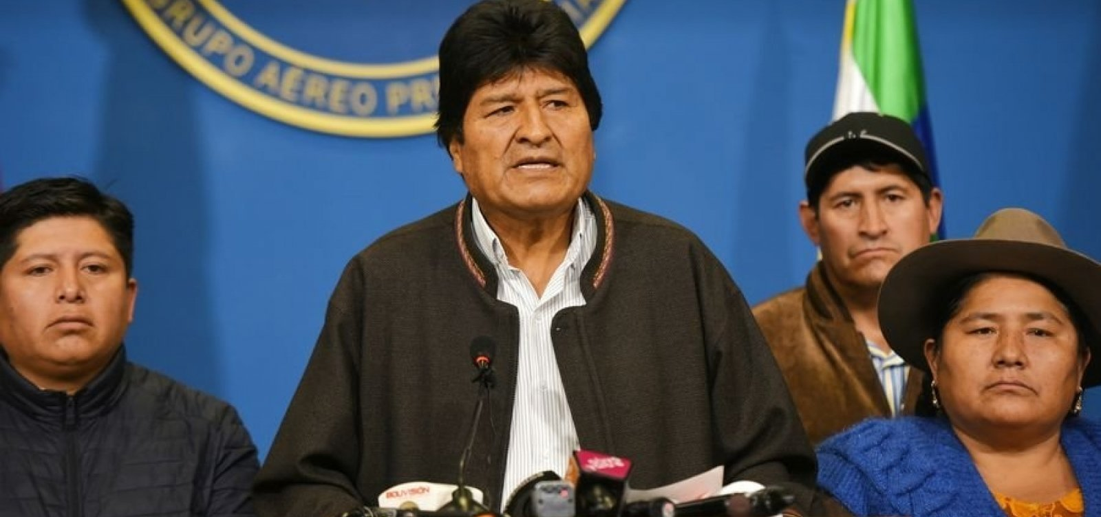 Evo Morales é acusado de terrorismo por ministro boliviano