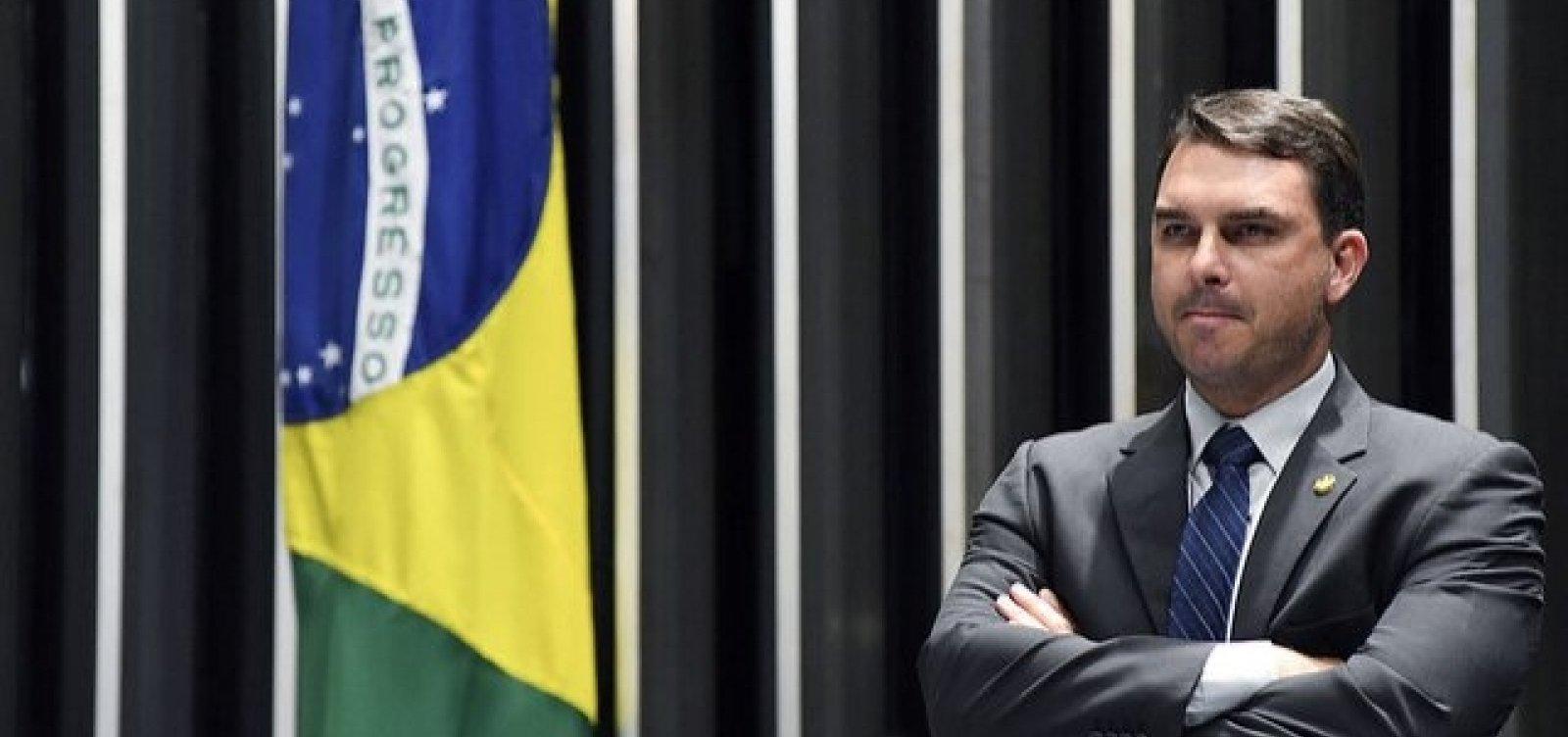 MP-RJ abre novo inquérito para apurar funcionários 'fantasmas' de Flávio Bolsonaro