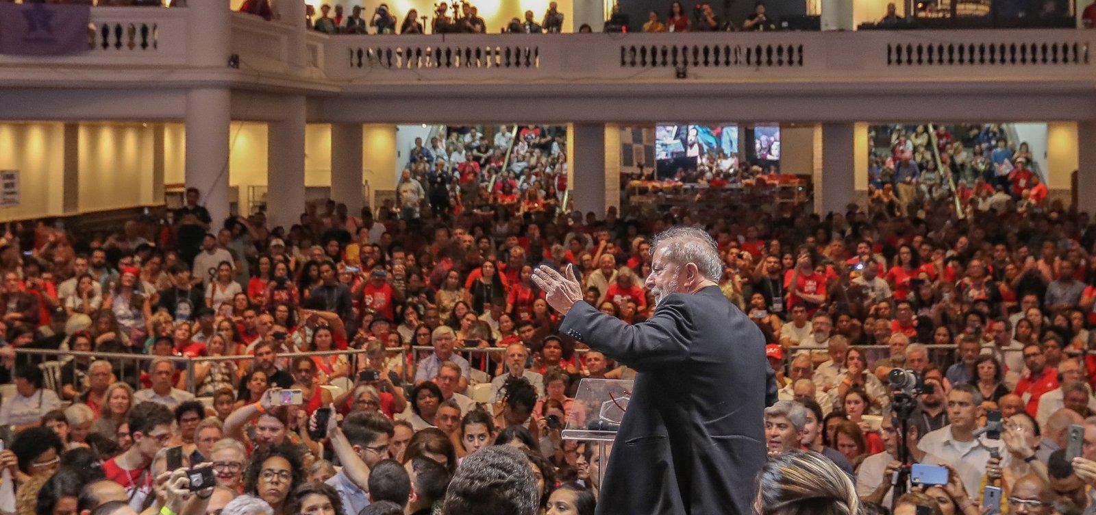 Em Congresso do PT, Lula defende polarização e rejeita equiparação a Bolsonaro