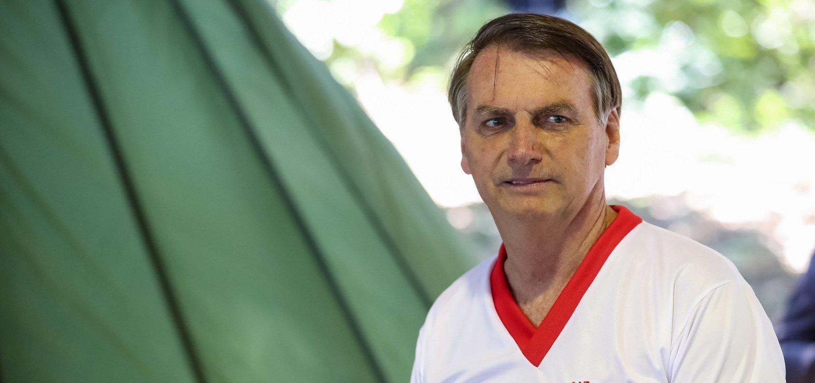 'Nós não sabemos quanto de óleo ainda tem no mar', diz Bolsonaro