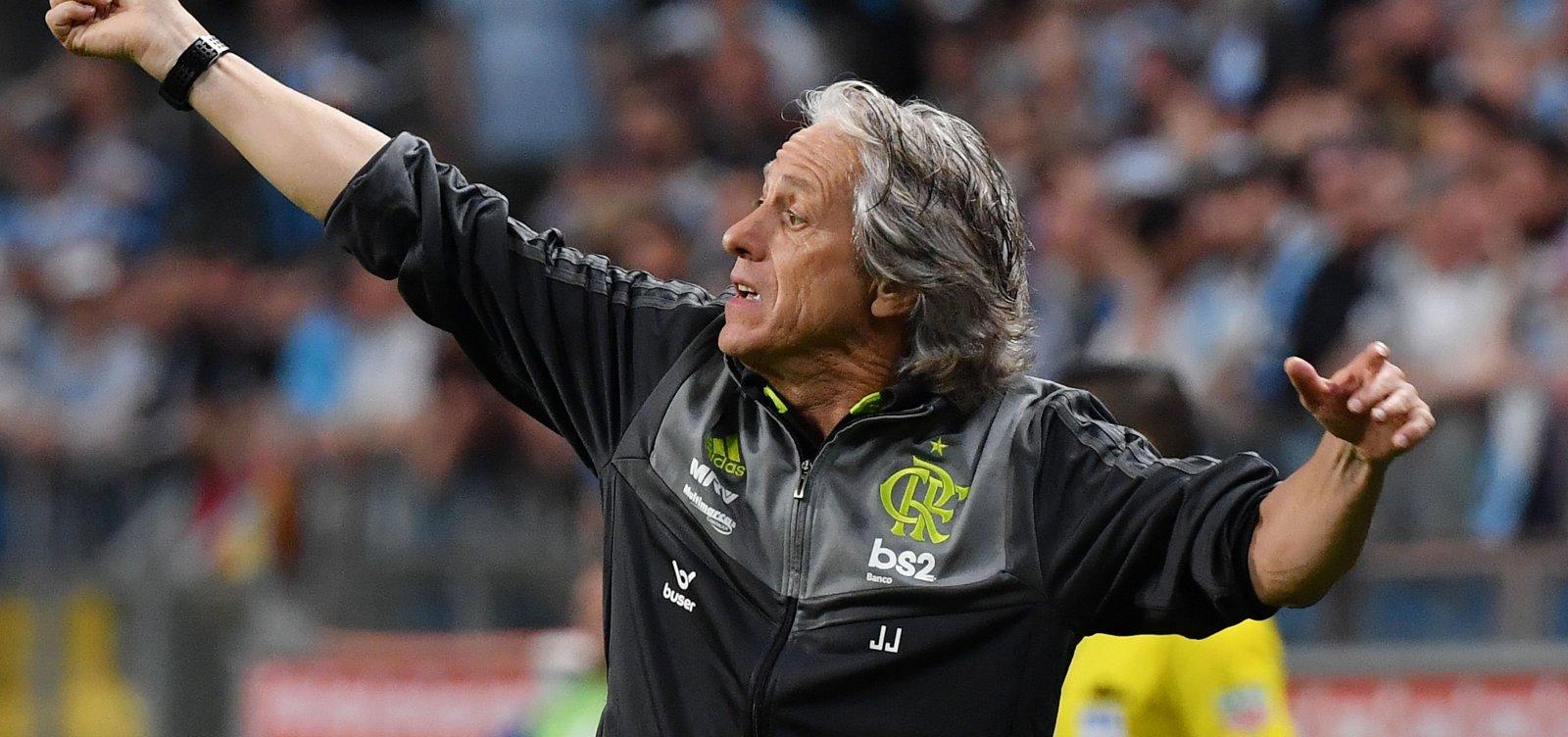 'É uma vitória do futebol brasileiro', afirma Jorge Jesus após conquista da Libertadores