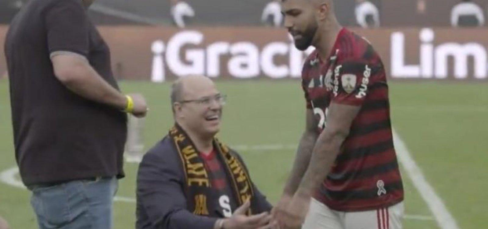 Vídeo: Gabigol ignora Witzel na celebração do título do Flamengo