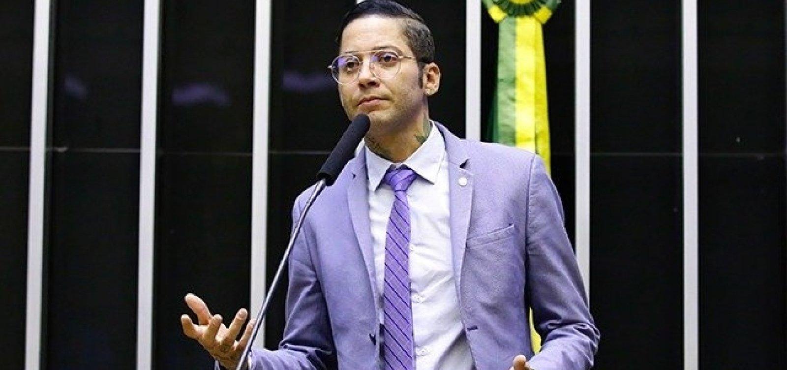 Kannário é suspeito de agredir piscineiro; deputado afirma que foi um mal-entendido