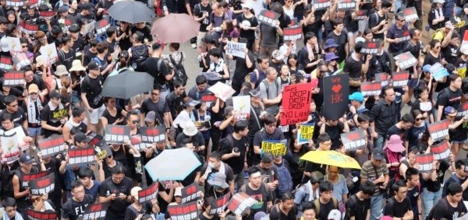 Hong Kong: Eleitores vão às urnas hoje pela primeira vez após protestos