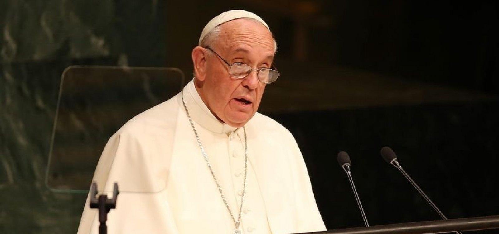 Em visita ao Japão, papa Francisco pede fim de armas nucleares