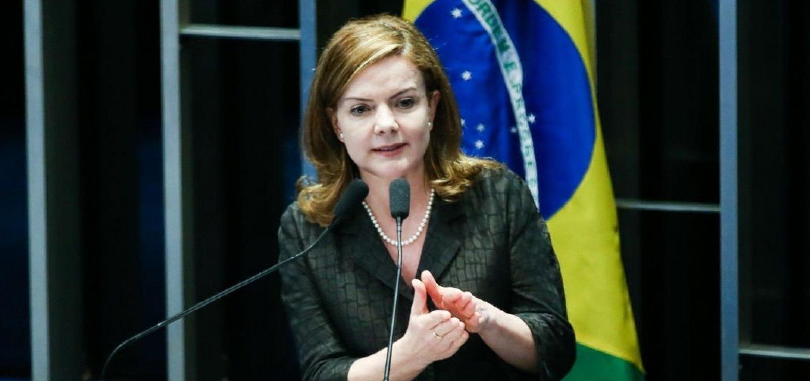 Gleisi Hoffmann é reeleita presidente nacional do PT