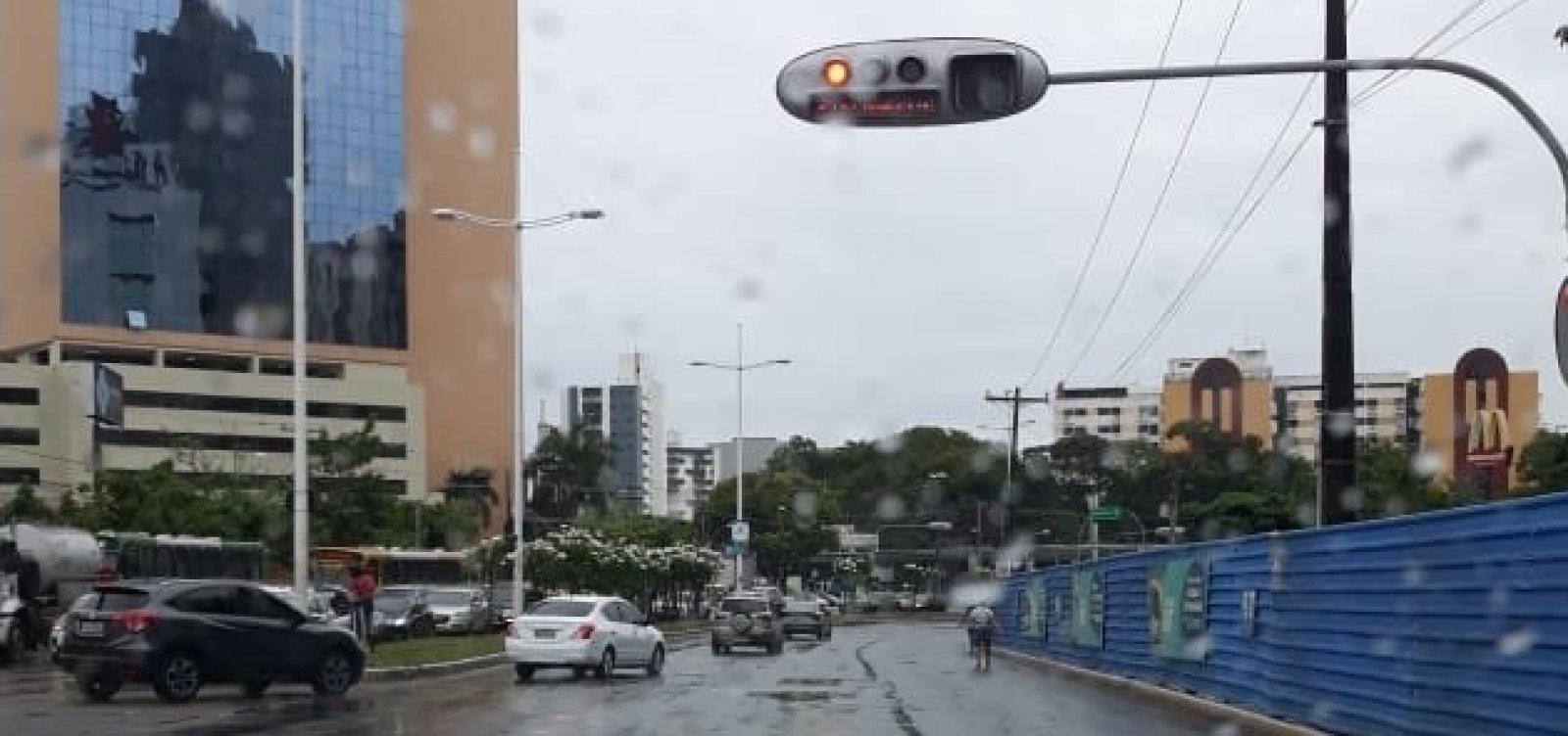 Defesa Civil alerta para chuvas e risco de alagamentos em Salvador