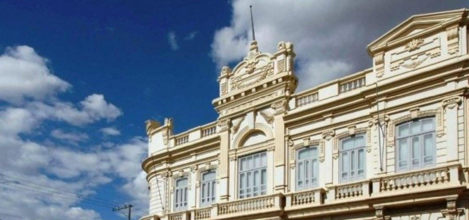 MP e TCM obrigam prefeitura de Feira a não fazer contratações através de cooperativas