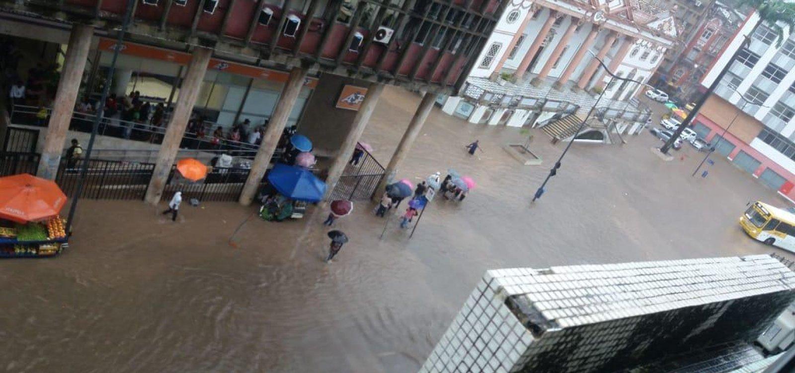 Codesal emite alerta máximo de chuvas fortes em Salvador
