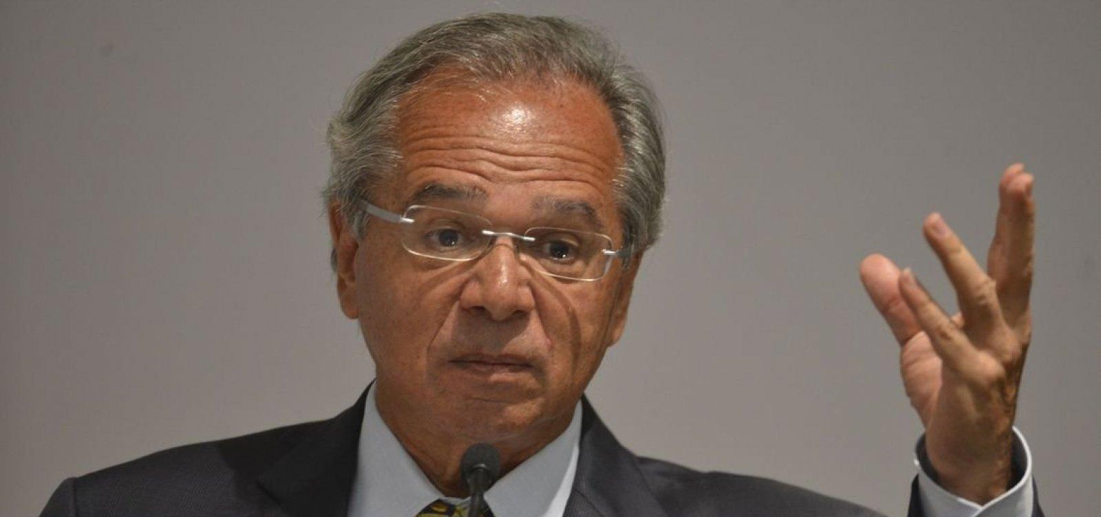Após comentar reedição do AI-5, Guedes chama manifestações de rua de 'convulsão social' e 'bagunça'