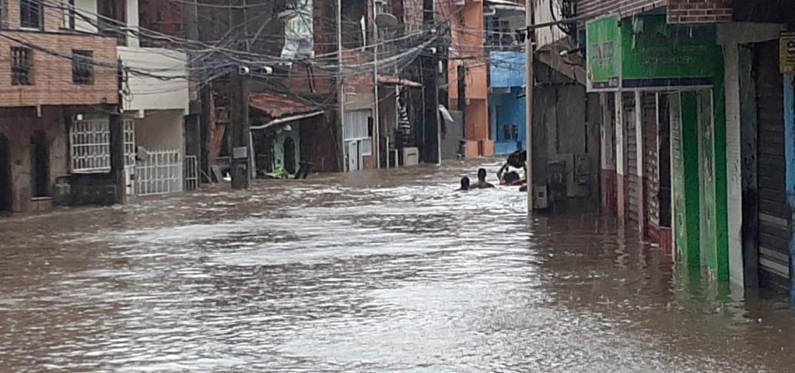 'Salvador enfrenta uma das maiores chuvas dos últimos anos', diz ACM Neto