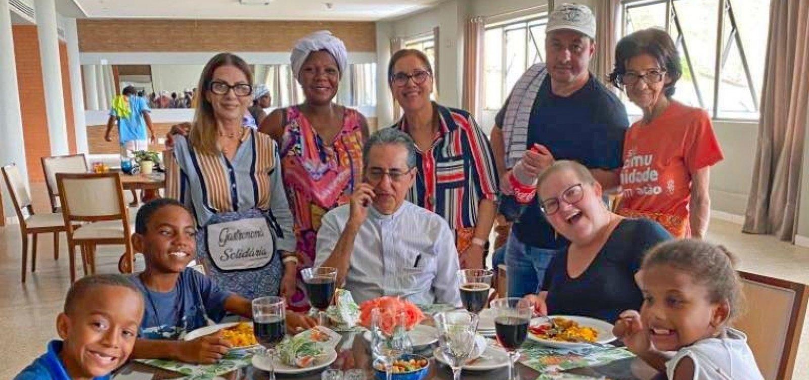 Paróquia Nossa Senhora da Vitória e empresário realizam almoço beneficente