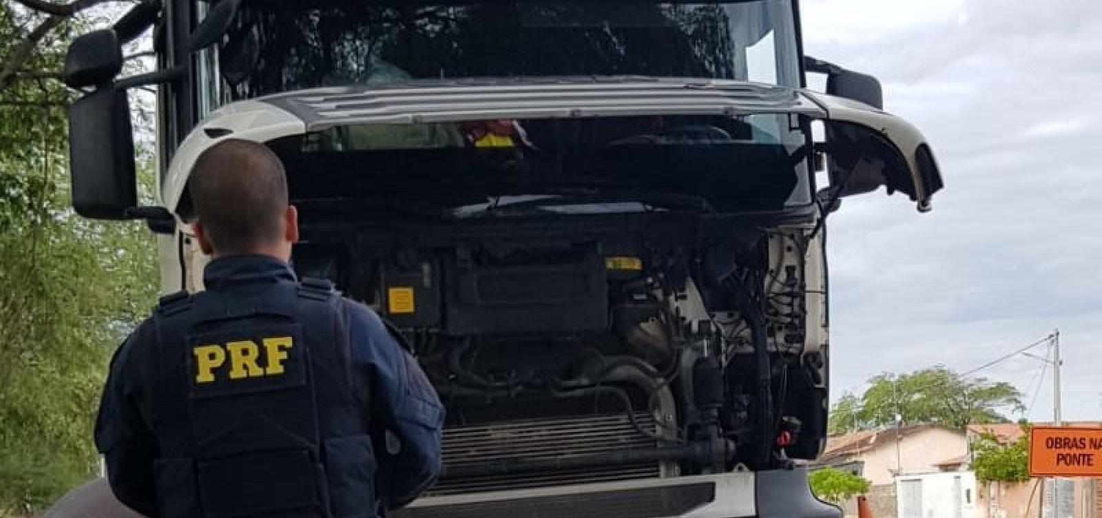 Motorista é detido e caminhão furtado é recuperado pela PRF em Paulo Afonso