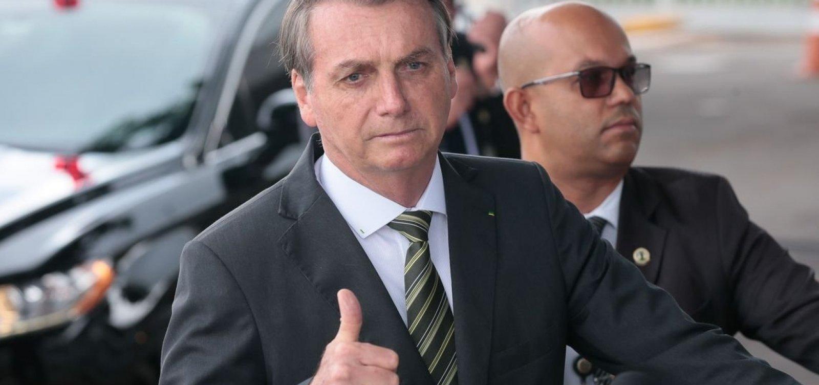 Bolsonaro liga para presidente uruguaio eleito e confirma ida à posse