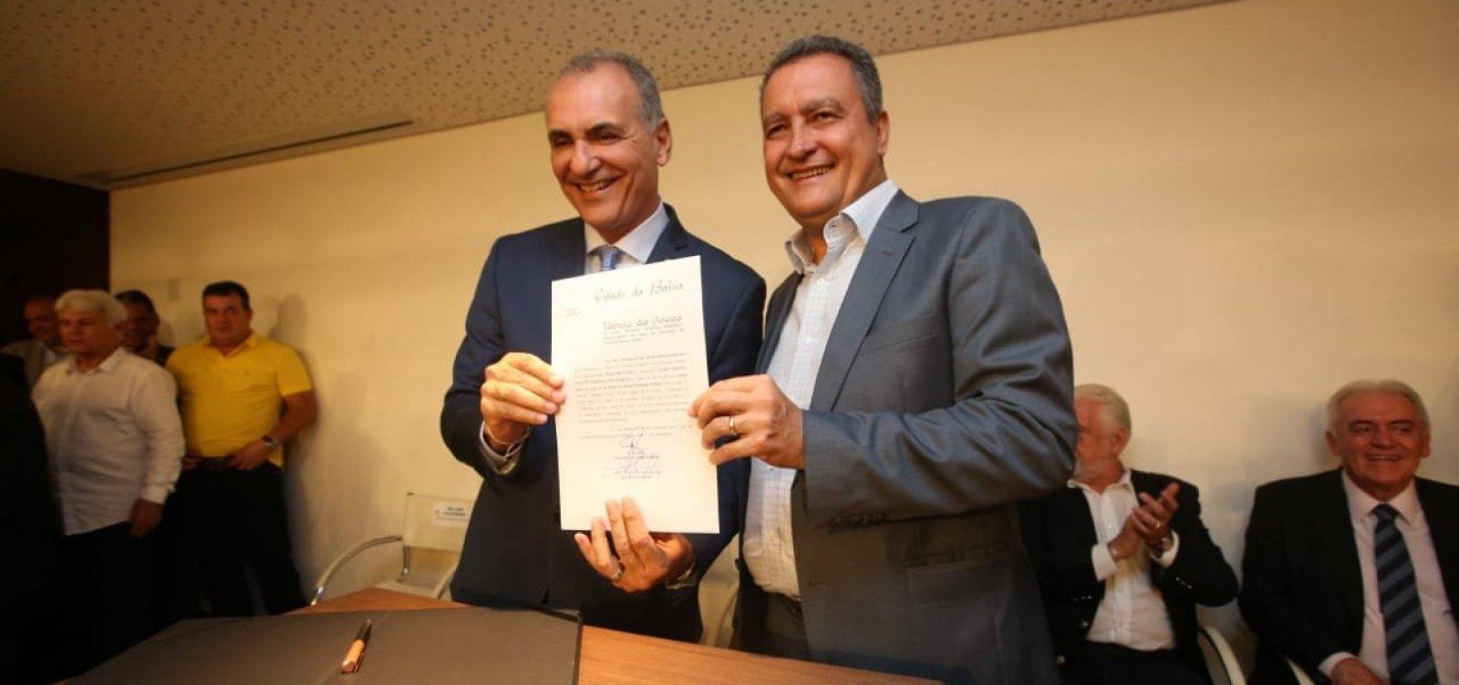 Rui dá posse a Nelson Pelegrino como novo titular da Sedur
