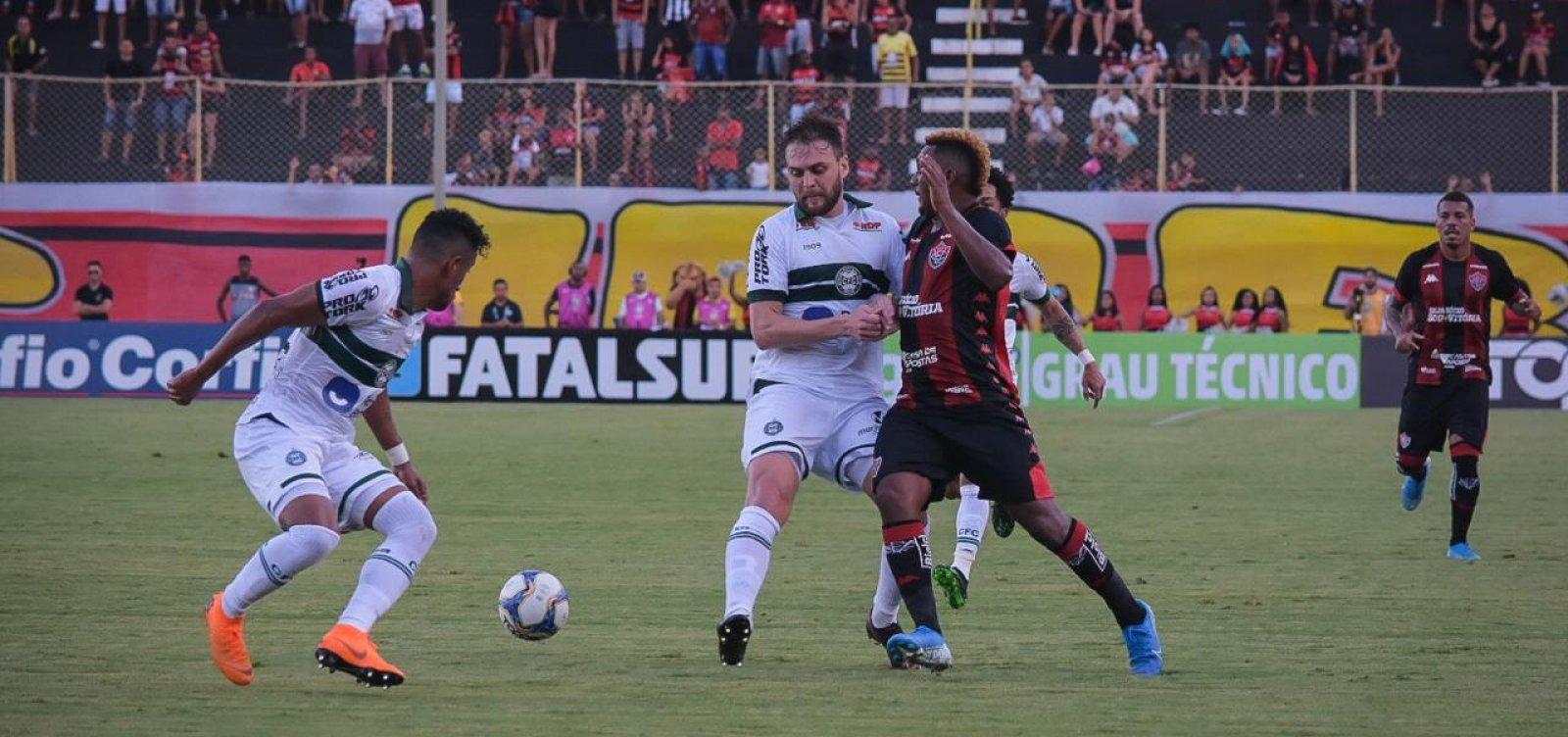Vitória encerra a temporada com derrota para o Coritiba no Barradão