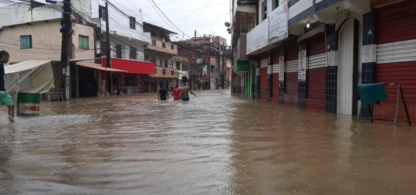 Mais de mil famílias são cadastradas em situação de emergência após chuvas em Salvador