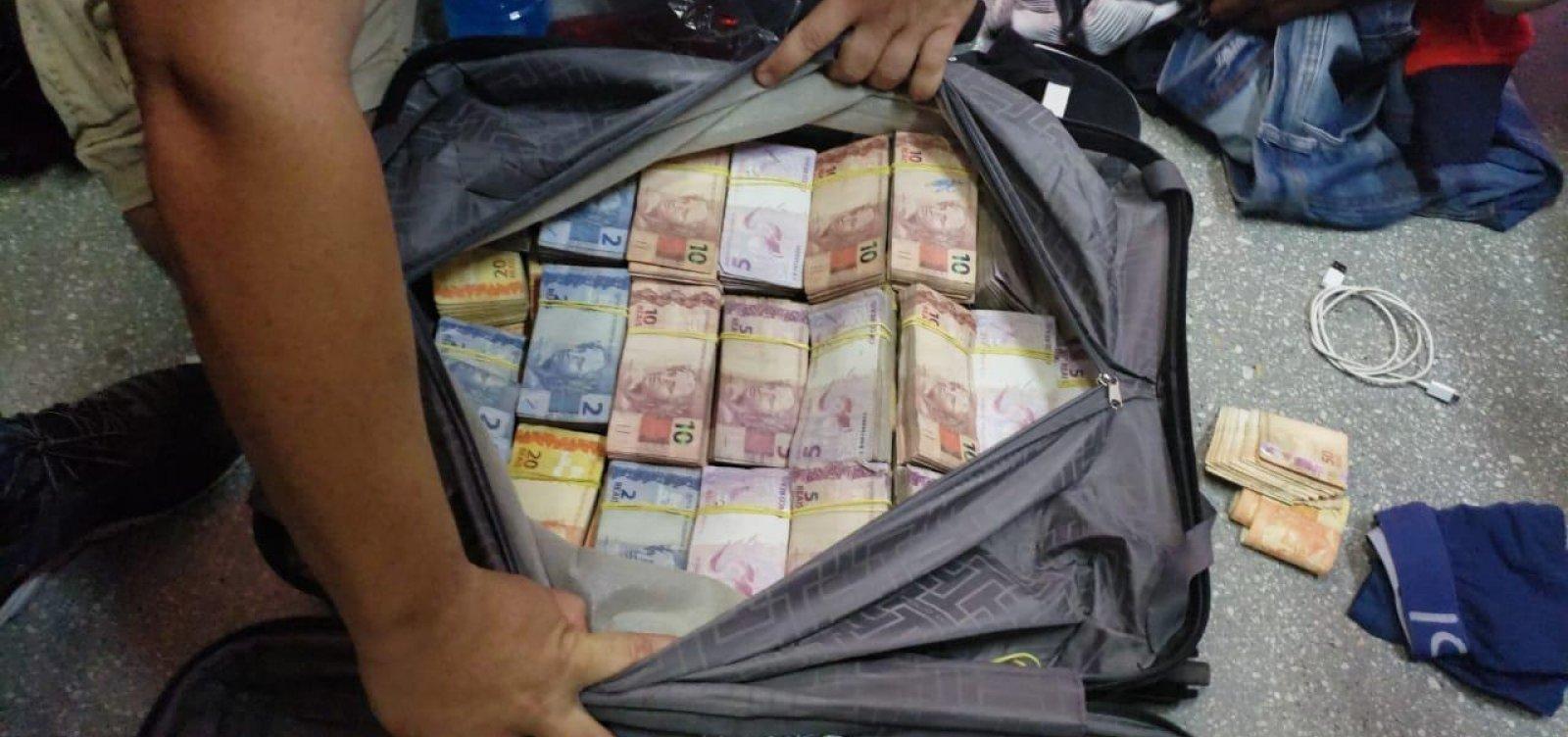 Suspeitos de furtar banco são presos ao tentar embarcar com dinheiro em voo