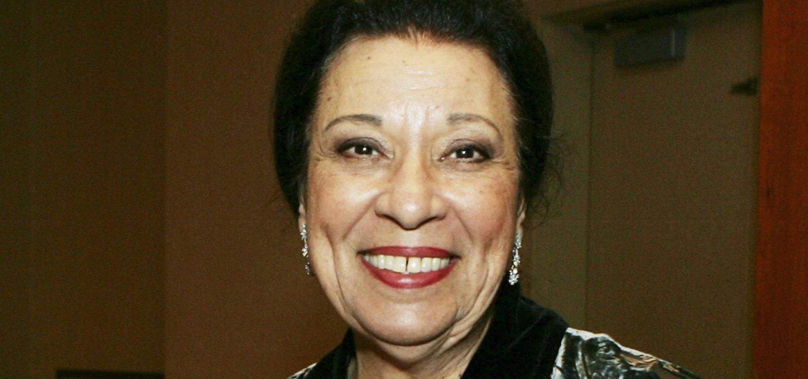 Morre Shelley Morrison, da série 'Will & Grace', aos 83 anos