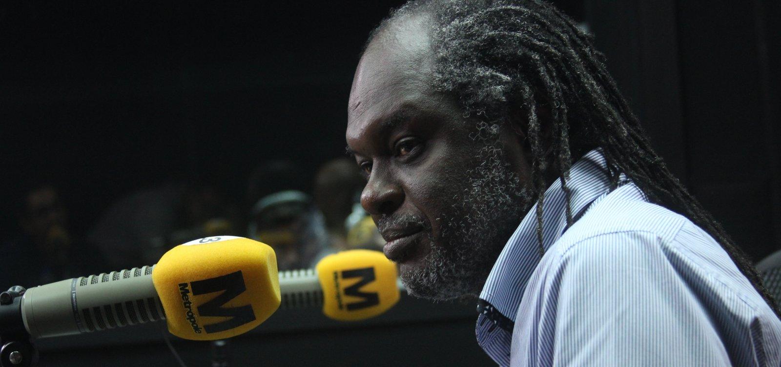 'Está amarrado nos grilhões da escravidão', diz Silvio Humberto sobre presidente da Fundação Palmares