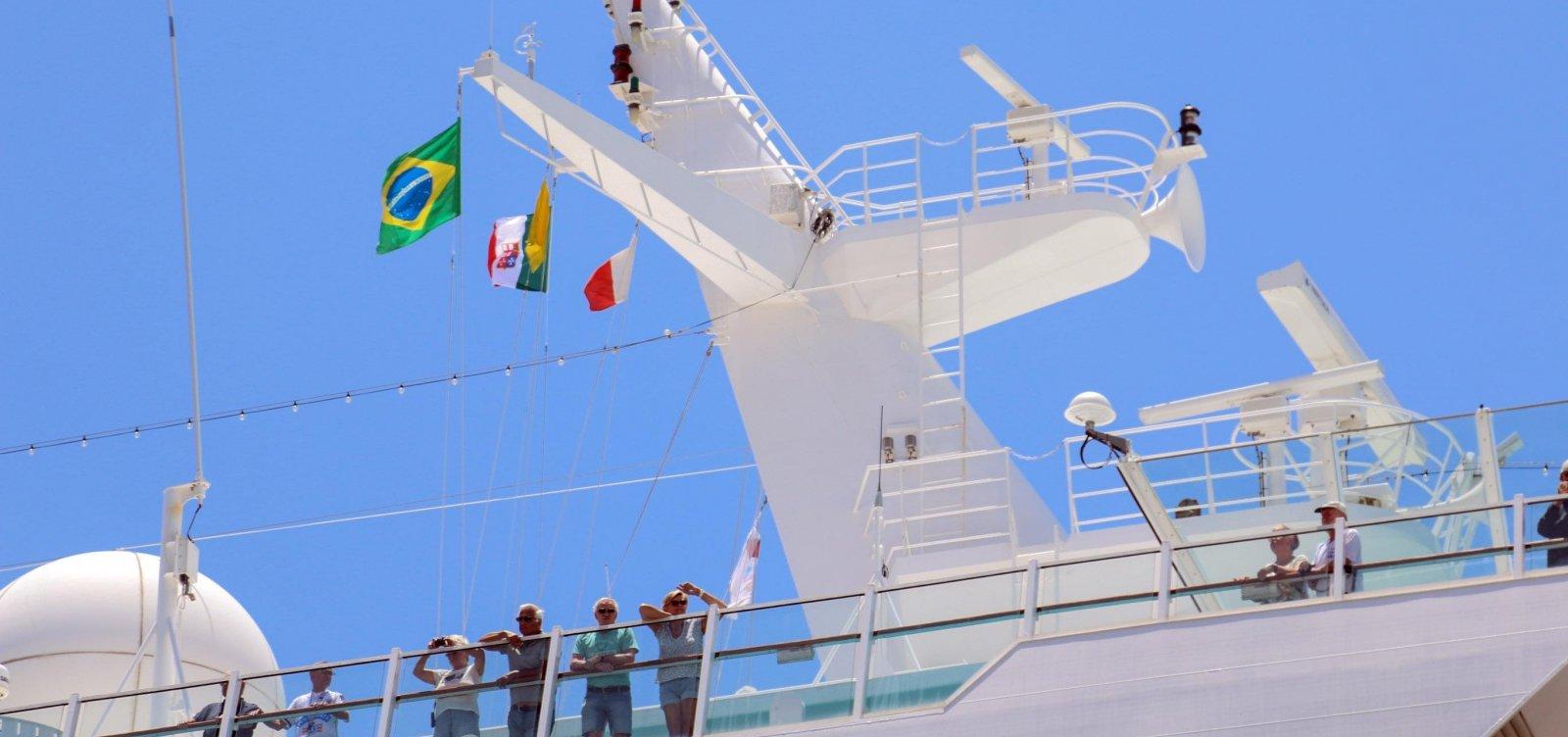 Porto de Salvador recebe três navios de cruzeiro nesta segunda