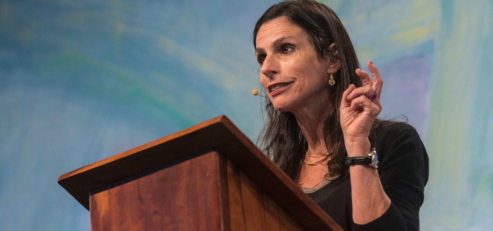 Lilia Moritz Schwarcz critica 'apatia' da sociedade civil brasileira: 'Pode nos custar muito'